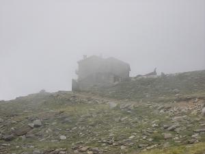 El refugio entre la niebla