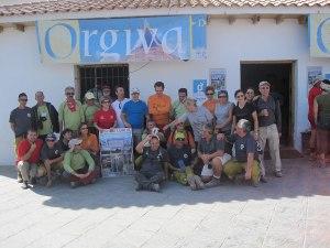 "Participantes en la Marcha Popular ""Alpujarrra 2009"" en la plaza de La Alpujarra de Órgiva"