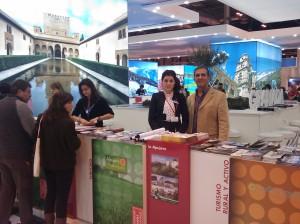 Ángel en el stand de la Asociación Turismo Alpujarra