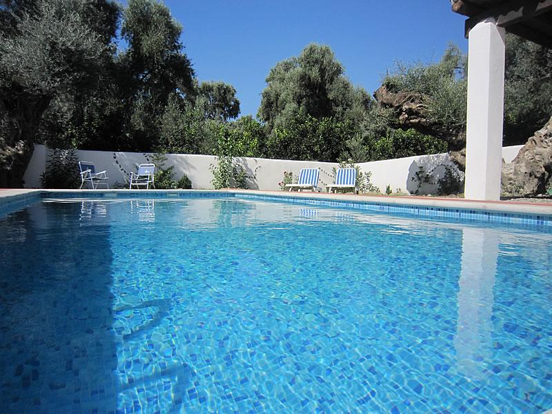 En Órgiva casa con piscina - Entre Olivos Centenarios