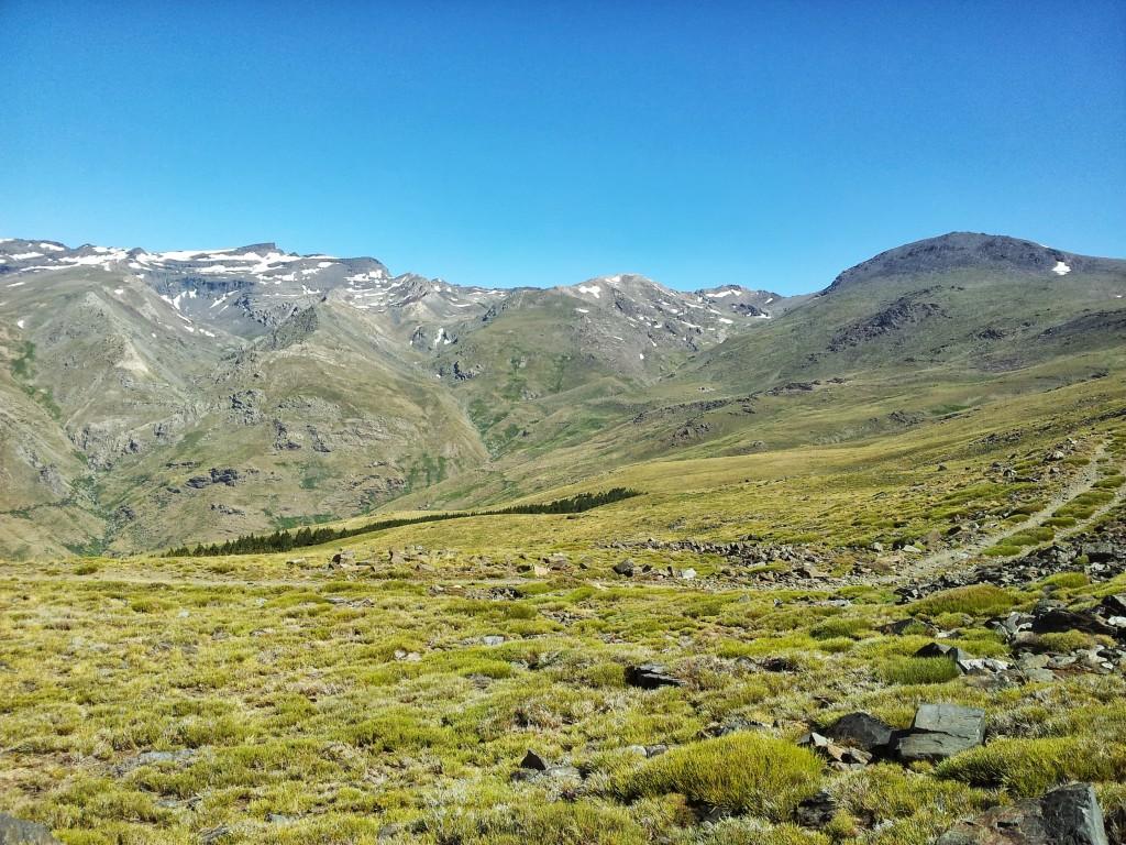 Vista de la loma del Mulhacén y del Veleta.